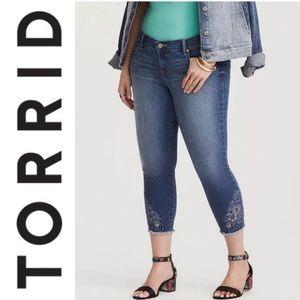Torrid Jeans 24 Sophia Crop Hampton Embroidered
